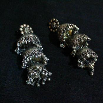 ANTIQUE STYLE EARRING